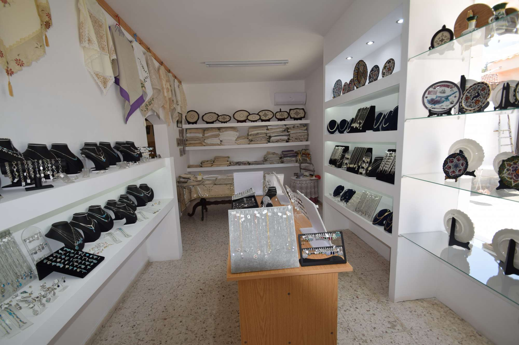lefara_lace_and_silver_work_shop (4)